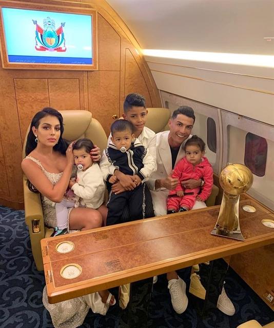 Ronaldo returns to Turin after coronavirus lockdown