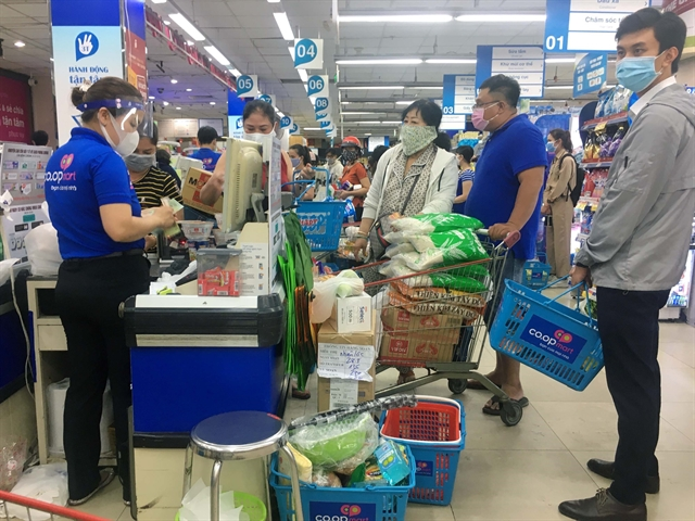 Việt Nams economy could thrive again after social distancing eased says WB