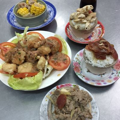Try fragnant rice cooked in stone pots in HCM City