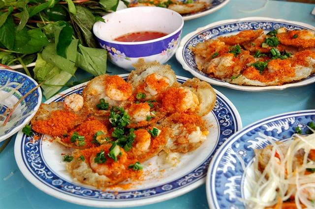 Bánh Khọt a must-try atVũng Tàu Beach