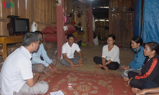 Kon Tum poor households reject poverty status