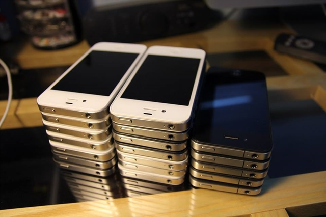 Youths among people who have switched to used phones