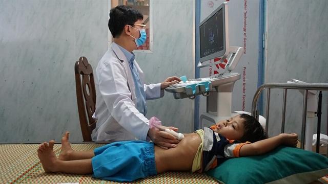 Children get free heart disease examinations