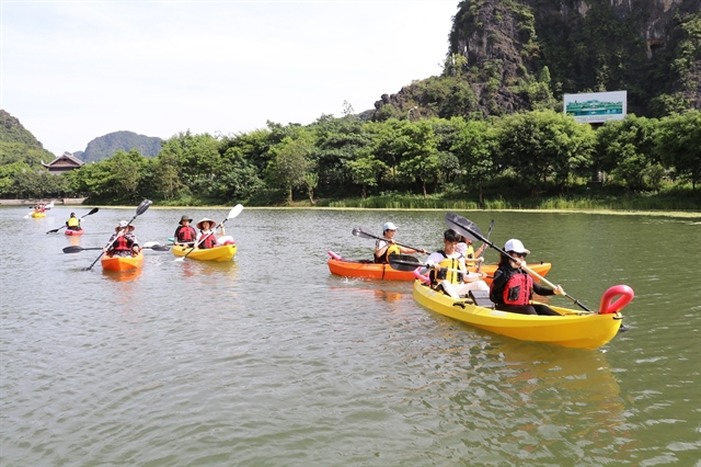 Tourism minister urges people to travel within Việt Nam: NA
