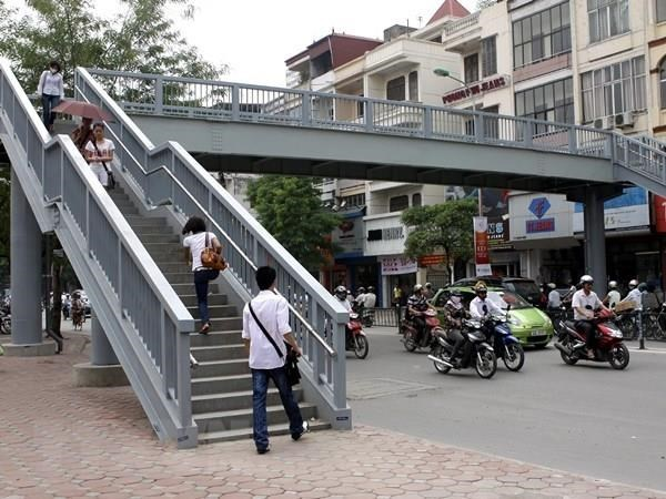 Few pedestrians use footbridges underground passages