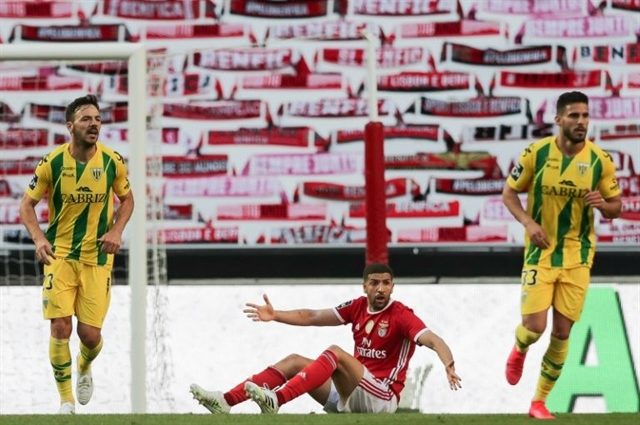 Benfica return ends in drab stalemate