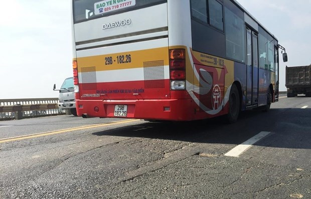 HN to adjust 16 bus routes due to Thăng Long Bridge repair