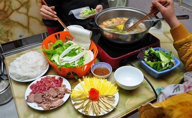 Bò nhúng dấm a must-try dish in Hà Nội