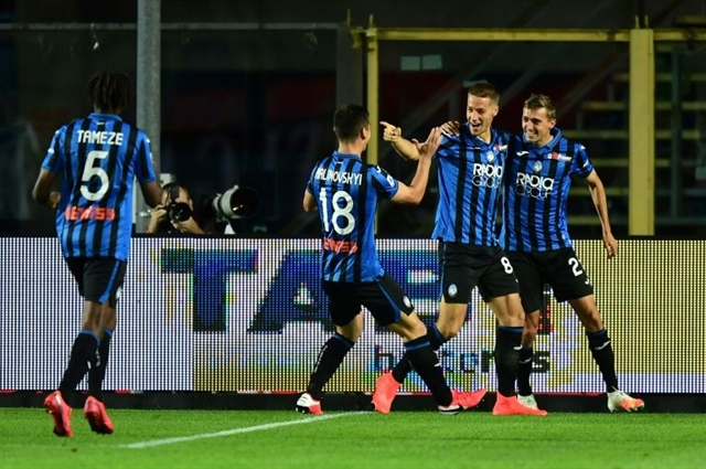 Pasalic hat-trick helps Atalanta go second in Serie A