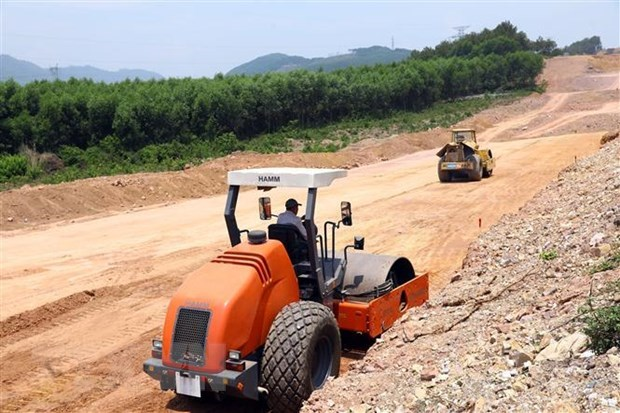 Land clearance for Vân Đồn-Móng Cái Highway to be completed by August 15