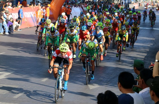 Tôn Hoa Sen cycling cup to start on National Day