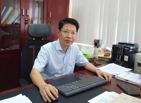 Vietnamese students need a healthy online environment