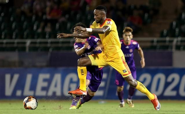 V.League star Samson holds Việt Nam close to his heart