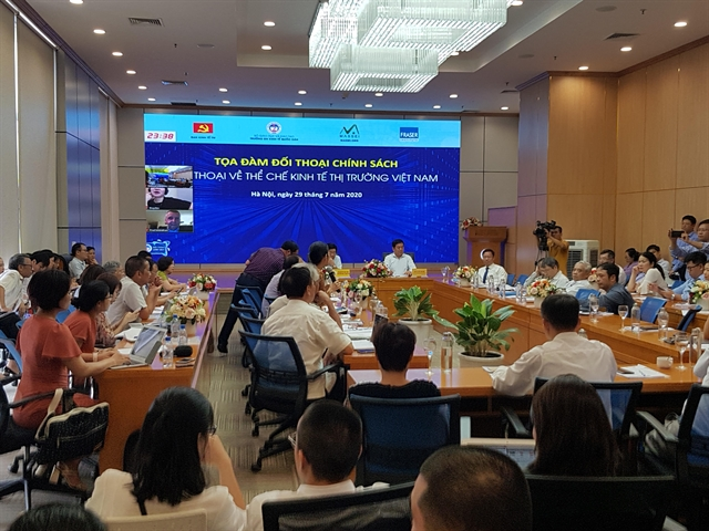 Việt Nam needs full market economy: experts