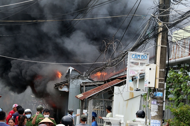 Fire destroys many houses in Kiên Giang
