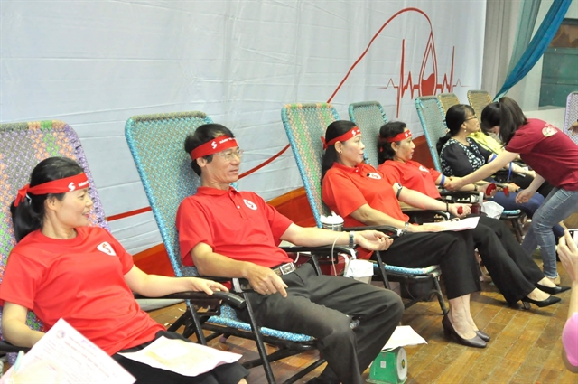 10000 units of blood donated nationwide in one month
