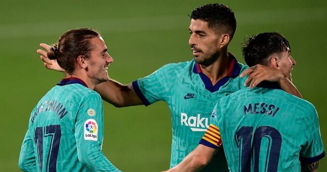Messi Griezmann Suarez star as Barcelona beat Villarreal to keep La Liga title hopes alive