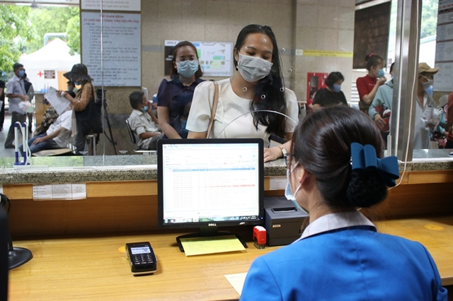 HCM City hospitals switch increasingly to cashless payment