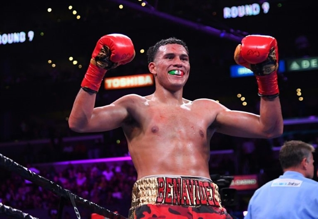 Unbeaten Benavidez defends super middleweight crown