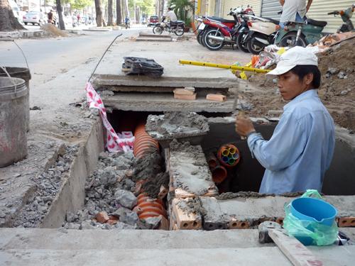 HCM Citys power lines go underground