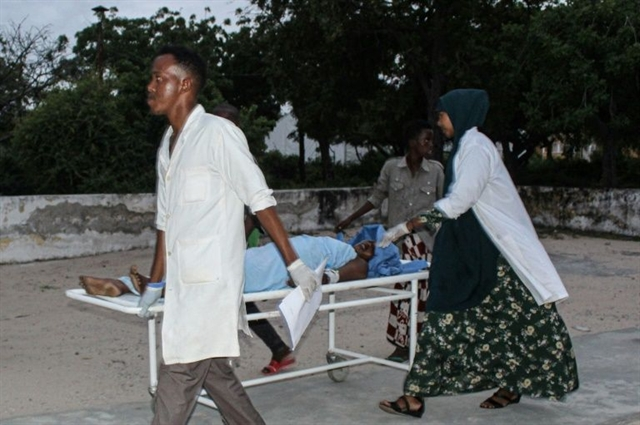 11 killed in Somali hotel attack claimed by Al-Shabaab