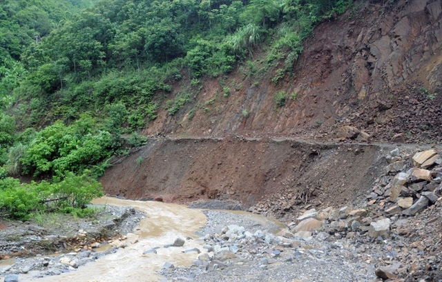 Child killed due to landslide in Sơn La