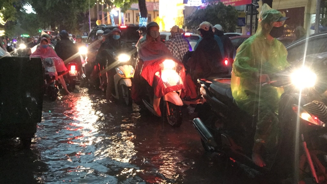 Hà Nội floods after heavy downpour