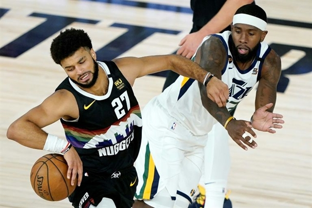 Murray scores 36 as Nuggets beat Jazz in series opener