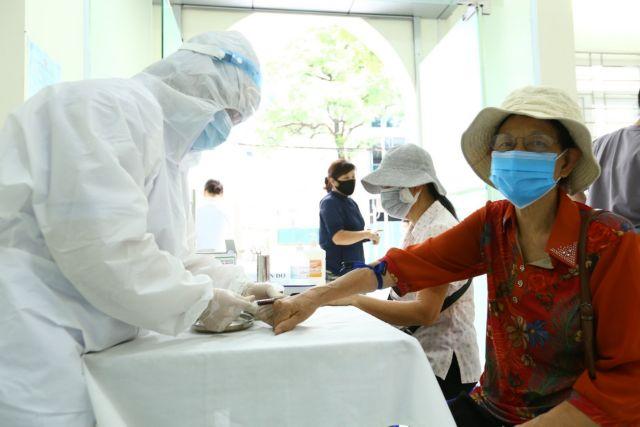 Hà Nội testsmore than 50000 people who returned from Đà Nẵng
