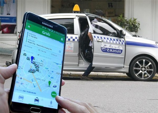 More Vietnamese use ride-hailing services: white book