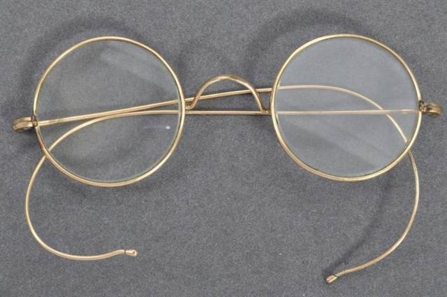 Gandhis iconic glasses sell for 340000 in UK