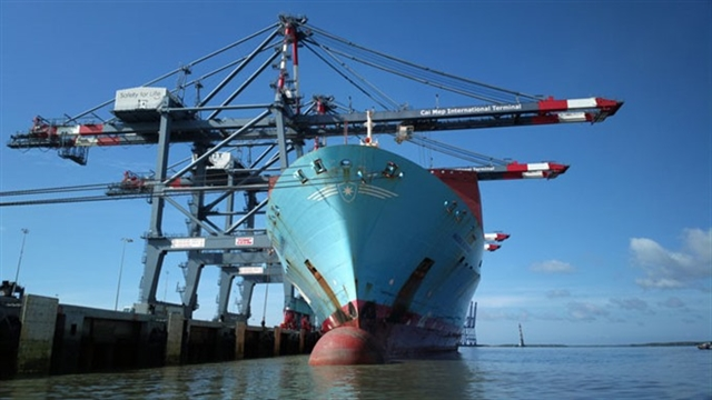 Volume of goods through seaports increases