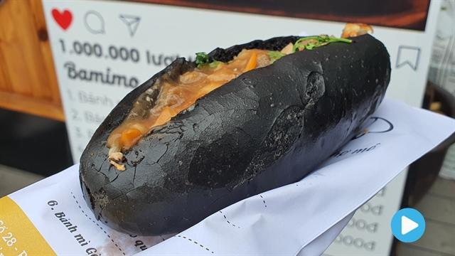 Nom nom Vietnam - Episode 52: Black baguette