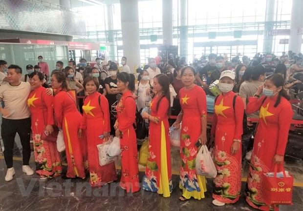 More than 1400 Vietnamese citizens brought home over weekend
