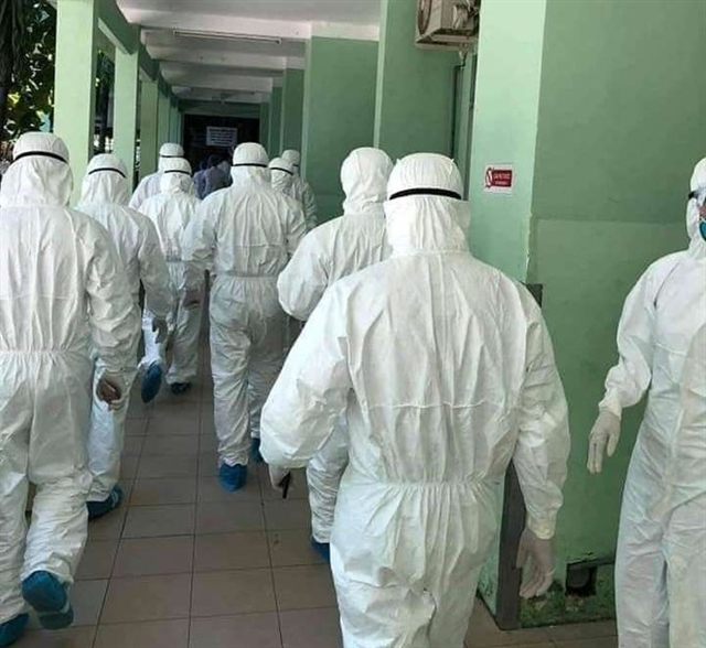 Brave doctors head to Đà Nẵng to fight outbreak