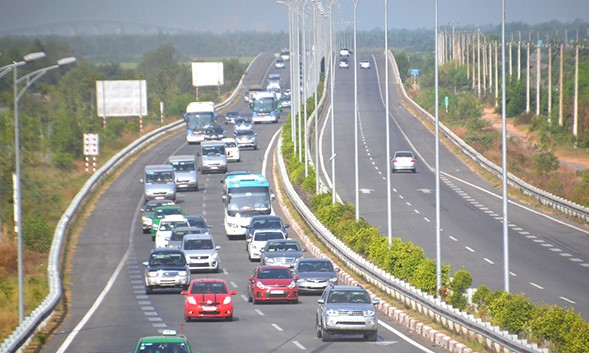 Government considers expansion of HCM City-Long Thành-Dầu Giây Expressway