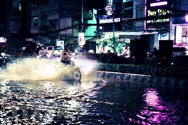 Heavy rains wreak havoc up and down nation