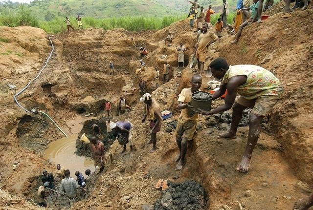 Around 50 feared dead in DR Congo mine collapse