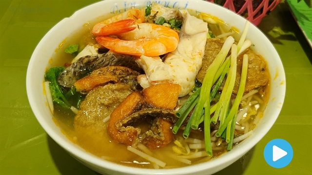 Nom Nom Vietnam - Episode 59: Fish rice noodles