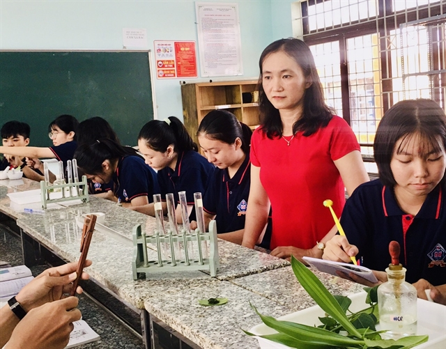 Teacher from Đồng Tháp Province wins writing contest