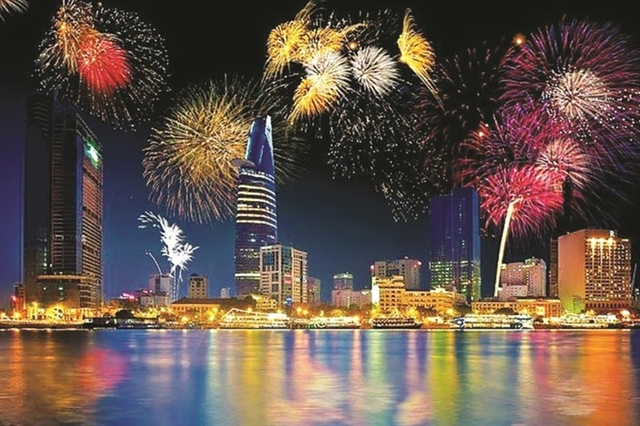 HCM City celebrates New Year with year-end performances
