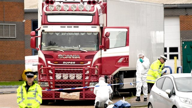 Lorry tragedy police officers honoured