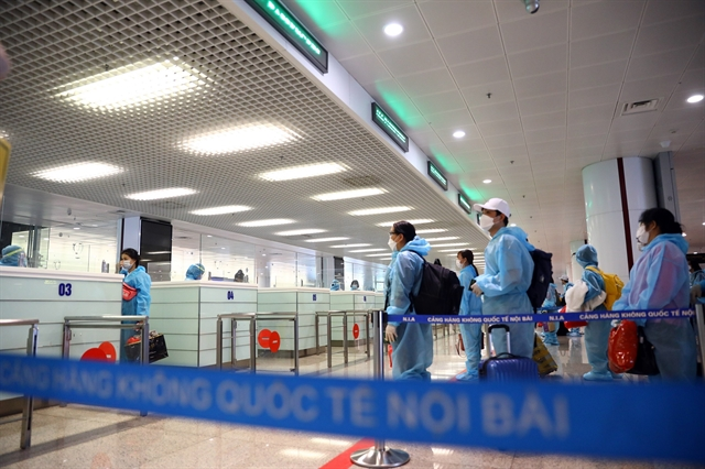 PM order cutback on inbound flights until after Tết over new coronavirus variant concerns