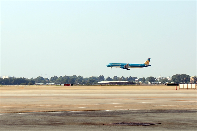 Upgraded runways in Tân Sơn Nhất Nội Bài intl airports put into use