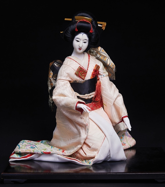 Traditional Japanese doll exhibitionopens in HCM City