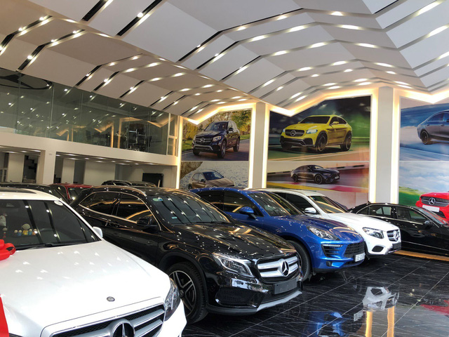 Car sales in Việt Nam plunge 8% in 2020