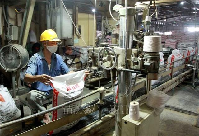 Animal feed exports poised to hit 1 billion mark