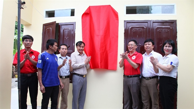 Poor families in Ninh Bình get new houses thanks to community support