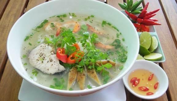 Try Ninh Thuậnsfishcake noodle dish