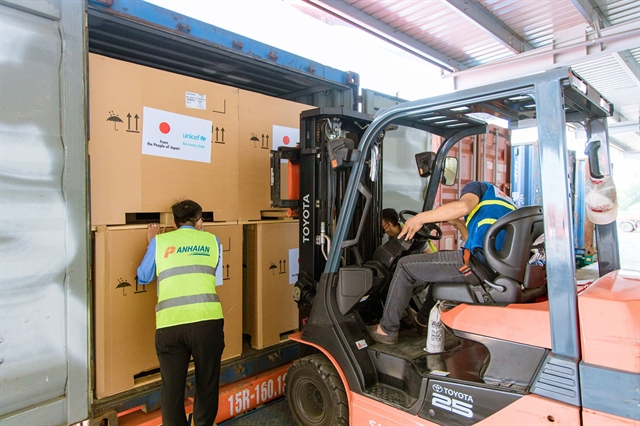300 vaccine refrigerators arrive in Việt Nam thanks to support from Japan and UNICEF